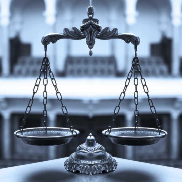 La relación laboral con las empleadas de hogar está regulado por la ley española.
